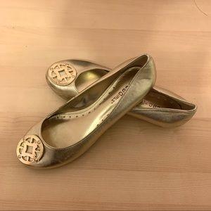 🎈2/$15🎈BCBGirls Classic Ballet Flats in Gold